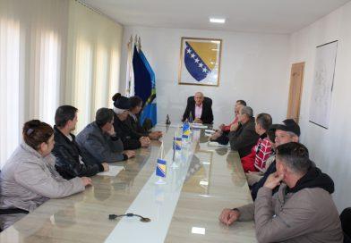 Općinski načelnik potpisao ugovore sa deset porodica o dodjeli placeva za izgradnju kuća
