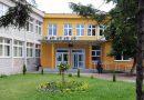 Profesor priveden zbog napada u školi: Direktorica i pedagogica Gimnazije Ismet Mujezinović završile u UKC-u