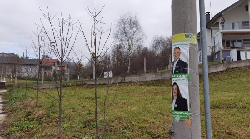 Političke stranke nisu uklonile plakate iako su bile obavezne